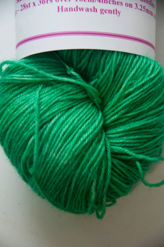 Hand-Dyed Yarn in Elphaba Colourway 4ply Superwash BFL Sturdy Base