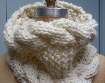 Hand Knit Cable Stitch Cowl in Bulky Yarn Off White