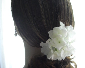 White Large Statement Hydrangea Cluster Hair Clip For Bridal Hair Accessory Rehearsal Dinner or After Ceremony