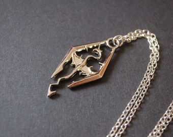 silver tone skyrim necklace