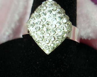 Sparkly Acrylic Cab on Adjustable Silver Plated Ring - R142