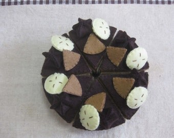 Felt chocolate cake