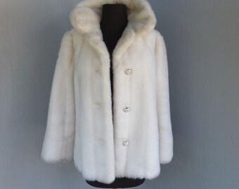 Vintage Faux Fur Coat, GRANDELLA 11 Sportowne, Faux or Fake Fur, White Faux Fur Coat, Jacket, Medium or Size 8