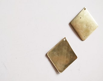 25 pieces of vintage raw brass diamond blanks with a hole slightly bent 30 mm dangle rough
