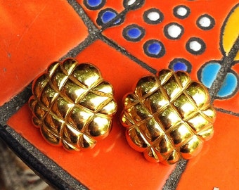 Monet Gold Tone Honeycomb 1980s clip on earrings