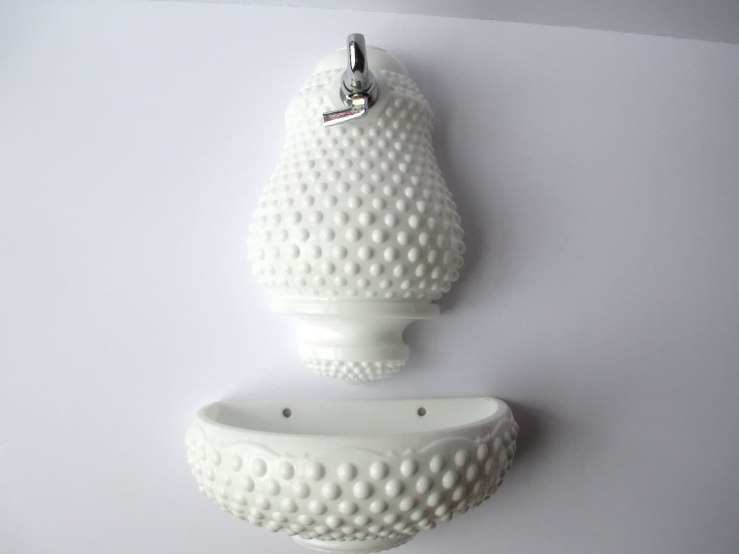vintage fenton milk glass hobnail lavabo. Black Bedroom Furniture Sets. Home Design Ideas