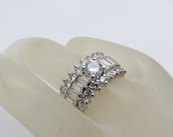 Vintage Rhinestone Ring Band Costume Jewelry R7283