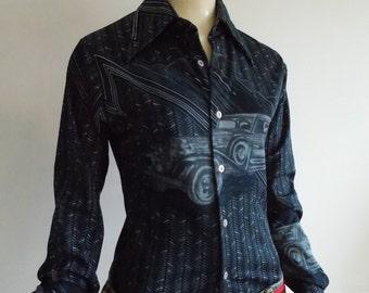 vintage 1970s blue Novelty print blouse/ 70s disco retro art deco shirt/ 1938 packard car shirt/ Chemise et cie