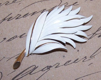 Vintage MONET Gold Tone & White Enamel Leaf Pin
