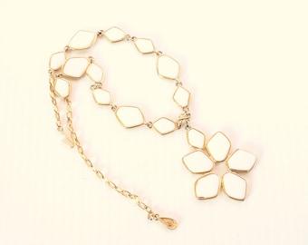 White Flower Pendant Necklace Vintage Coro Milk Glass Floral Petal Pendant Goldtone Adjustable Length