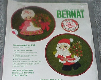 "1976--Bernat--Embroidery--Kit--Christmas--Mrs. Claus--Kit Number W09190--7"" Round"