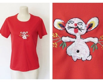 CLEARANCE 1970s Novelty Shirt / Red Short sleeved Pullover w/ Embroidered Mouse / Vintage 70s Golden Rose Top