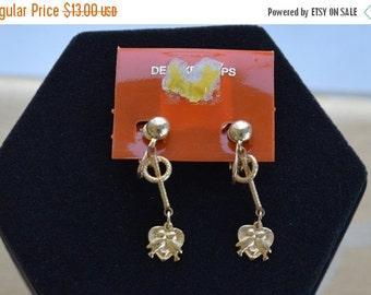 On sale Cute Vintage Gold tone Lovebirds Clip Earrings, Dangle, New Old Stock