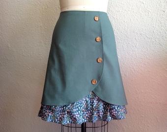Ramona ruffle front skirt Sz 10