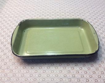 Avocado Green Enamel Baking Pan