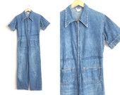 Size L // 1970s DENIM JUMPSUIT // Short Sleeve - Zip-Up Front - Pointy Wing Collar - Vintage '70s.