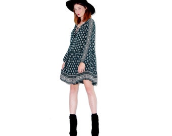 adorable PEASANT DRESS / paisley print drop waist tunic dress oversized shirt dress tent dress hippie dress boho dress festival dress 70s