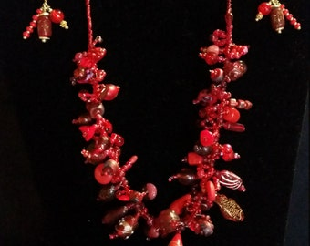 Gorgeous Red Necklace and Earrings Set