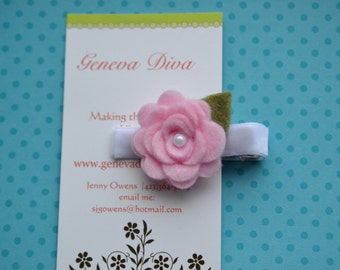 MINI Felt Rosette Hairclip in Light Pink