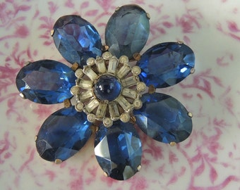 Vintage Trembler Brooch - Collectable 1940's Blue And Rhinestone Glass Brooch