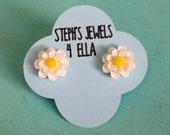 White Daisy Beautiful Bloom Flower Earrings