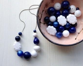 ahoy - necklace - vintage lucite
