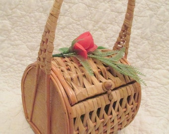 Vintage Purse Wicker with rose and greenery on top Made in Spain