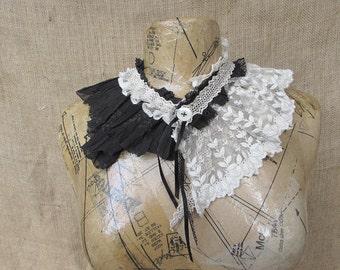 Victoriana collar