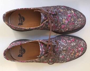 Doc Marten Floral 3 eyelet Women's Shoe Size 10