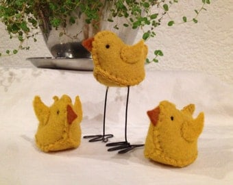 Set of 3 Primitive Yellow Spring Chicks Easter Wool Felt