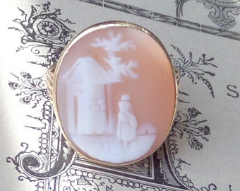 Antique Scenic Cameo Ring. 10K Gold. 5.25 - 5.5