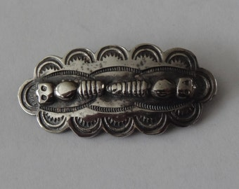 Vintage Sterling Silver Native American Catapillar Bar Pin