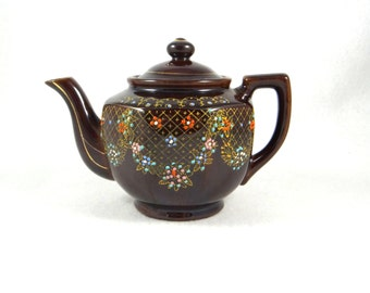 Moriage Redware Teapot from 1940s