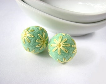 Round wool balls // felt balls // mint ball with yellow floral ornaments. Wool oraments, embroidery earrings, handmade bead, pastel,pom poms