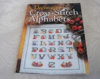 Craft Supply Decorative Cross Stitch Alphabets Booklet