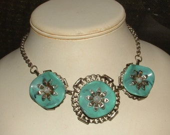 1950s coolest thermoset 3 disc necklace- flowers chocker style still FABULOUS