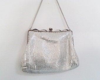 vintage silver purse, maltese filigree clasp, filigree leaves 3D, silver evening bag, silver lurex bag, 50s purse, 50s costume