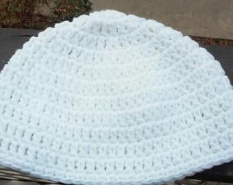 Ladies Hat / Beanie / Flapper style Beanie / White Beanie / Crochet Beanie