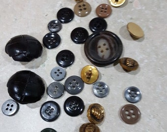 Black, goldbeige, leather buttons # 15