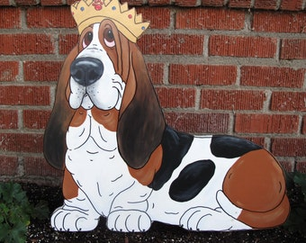 """Hand Painted Basset Hound Yard Art - """"It's Good to be The King"""" Tri-color"""