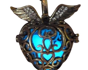 yOUR unIQue GoldEN HEart Blue glow in the dark necklace
