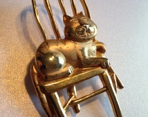 JJ Grinning Cat Lounging in Chair Brooch