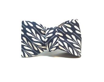 Indigo Geometric Wheat Freestyle Bow Tie