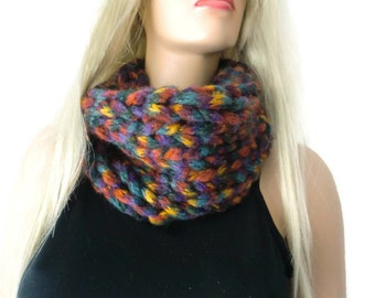 SALE-Multi color chunky winter infinity scarf-Unisex knitted cowl- best friend gift-Unisex scarf for men and women