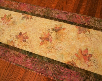 Batik Leaves Quilted Table Runner in Shades of Salmon Pink and Golden Yellow, Quilted Batik Table Runner, Fall Leaves Table Mat
