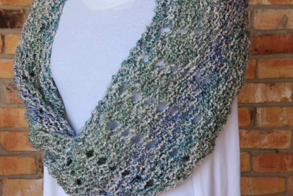 Knitting Pattern For Scarf In The Round : Mobieus Knit Cowl Pattern Knitting Pattern for Homespun Yarn