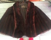 Stunning Fur Cape Grafs Furs Lined Nice Condition Burgundy Hue