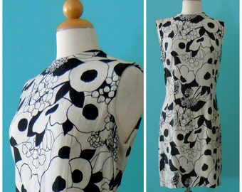 60's floral shift dress // black and tan cotton day dress ~ small medium