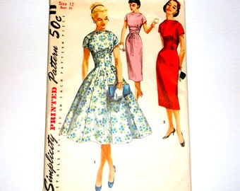 Uncut Vintage Simplicity Dress Pattern 1510 • size 12 . bust 30 • Factory Folded
