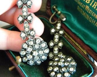 SALE use code 20OFF - Art Deco pot metal and paste flower chandelier screwback earrings - vintage statement jewelry